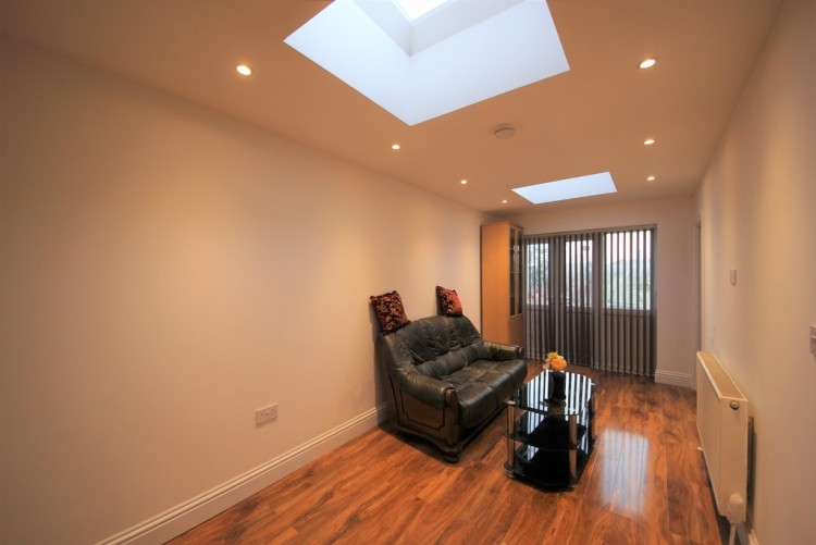 Property to Rent in Broomgrove Gardens, Edgware, Middlesex, United Kingdom