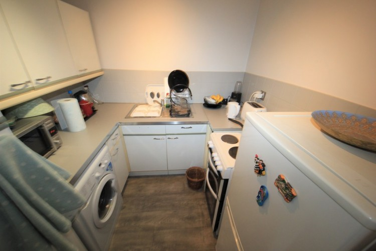 Property to Rent in Camerthen Green, Snowdon Drive, Snowdon Drive, Colindale, London, United Kingdom
