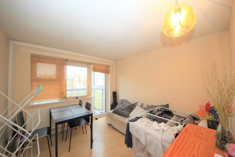 Property to Rent in Belle Vue Estate, Hendon, London, United Kingdom