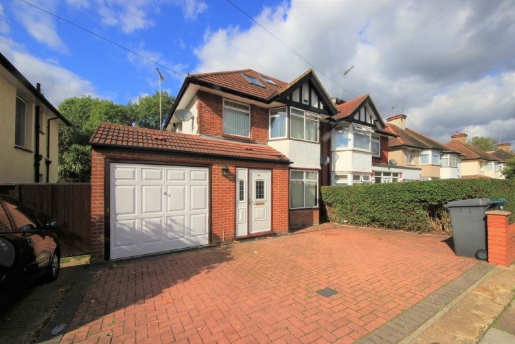 Property to Rent in Farm Road, Edgware, London, United Kingdom