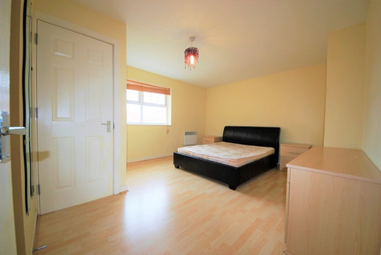 Property to Rent in Butler Close, Edgware, United Kingdom