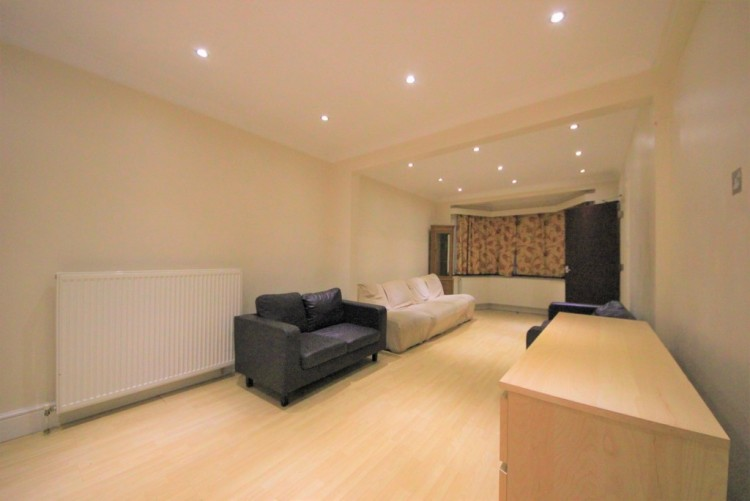 Property to Rent in Woodfield Avenue, Colindale, London, United Kingdom