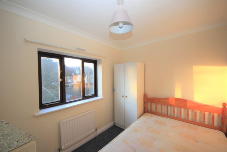 Property to Rent in Kestrel Close, Colindale, London, United Kingdom