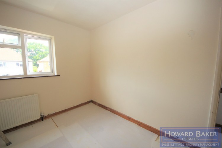 Property to Rent in Sandymount Avenue, Stanmore, United Kingdom