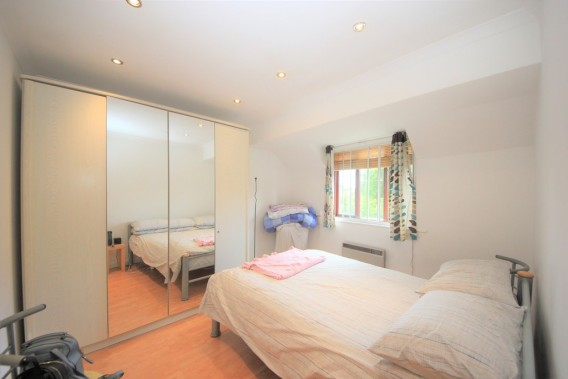 Property to Rent in Colindeep Lane, Colindale, Colindale, London, United Kingdom