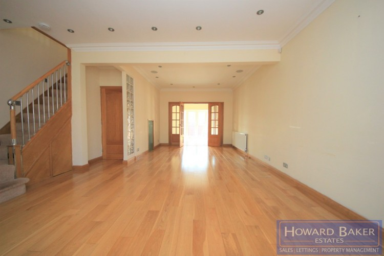 Property to Rent in Bromefield, Stanmore, London, United Kingdom
