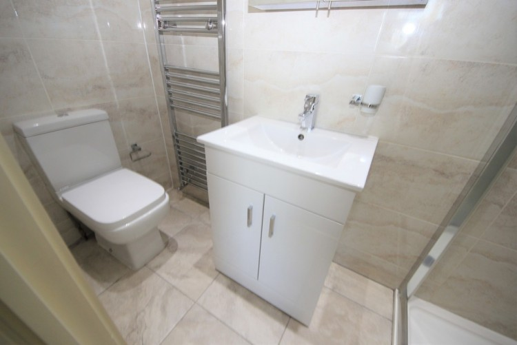 Property to Rent in Park Road, Hendon, London, United Kingdom