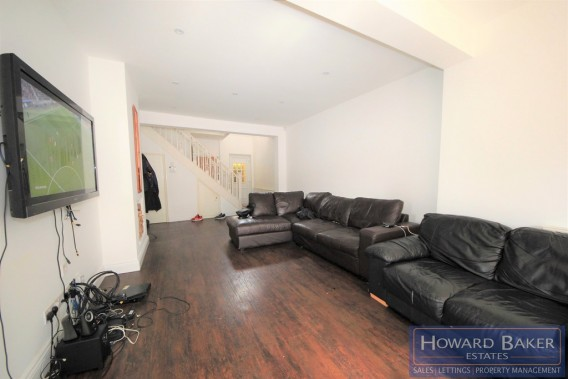 Property to Rent in Beaulieu Close, Colindale, London, United Kingdom