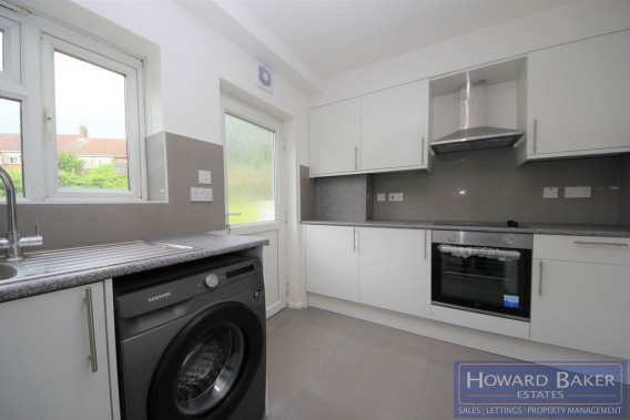 Property to Rent in Amberden Avenue, Finchley, London, United Kingdom
