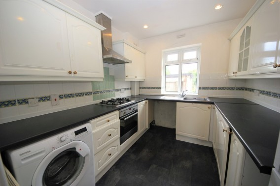 Property to Rent in St. Margarets Road, Edgware, London, United Kingdom