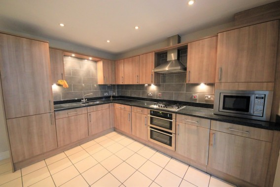 Property to Rent in Tilbury Close, Hatch End, Pinner, United Kingdom