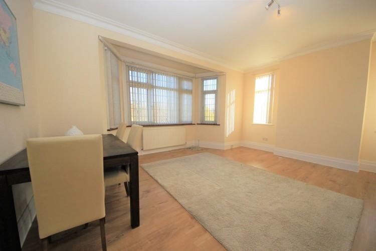 Property to Rent in Wykeham Road, Hendon, London, United Kingdom