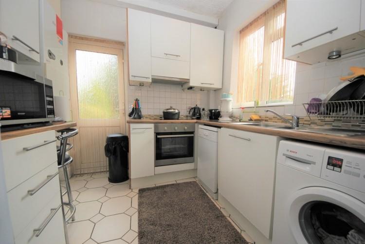 Property to Rent in Kenilworth Road, Edgware, London, United Kingdom