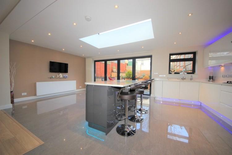 Property to Rent in Burgess Avenue, Kingsbury, London, United Kingdom