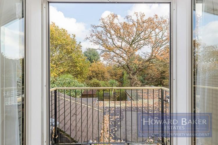 Property for Sale in Kinloch Drive, Kingsbury, London, United Kingdom