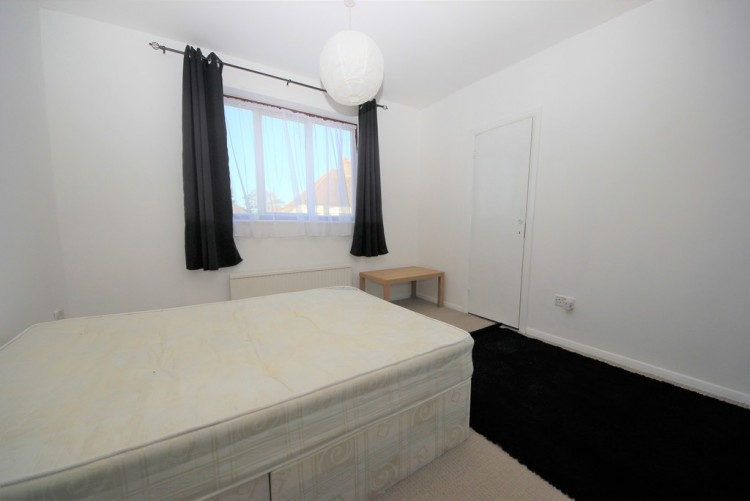Property to Rent in Endersleigh Gardens, Hendon, London, United Kingdom