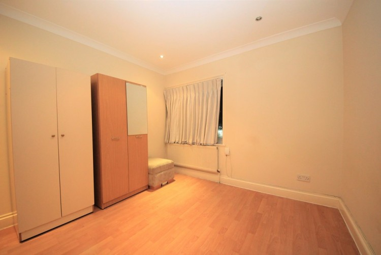 Property to Rent in Edgware Road, Colindale, London, United Kingdom
