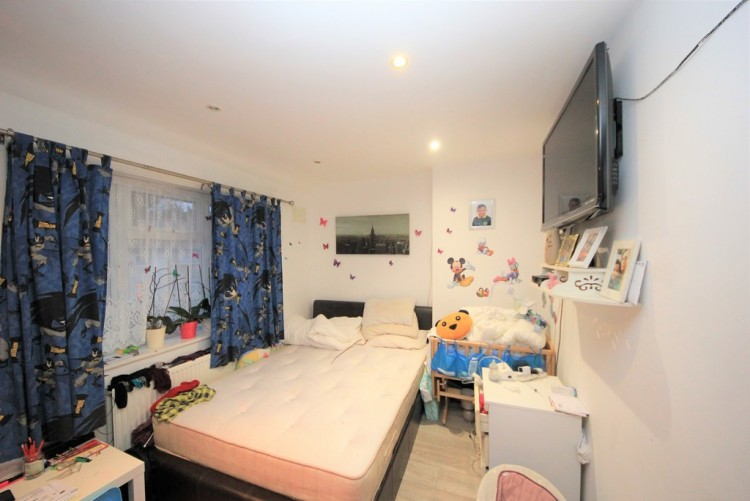 Property to Rent in Horsecroft Road, Edgware, London, United Kingdom