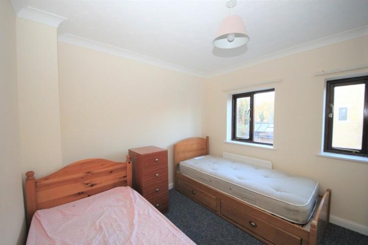 Property to Rent in Kestrel Close, Colindale, Colindale, London, United Kingdom